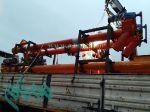 بارگیری تجهیزات خط تولید سنگ مصنوعی سمنت پلاست بحرین